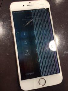液晶パネルが故障したiPhone7