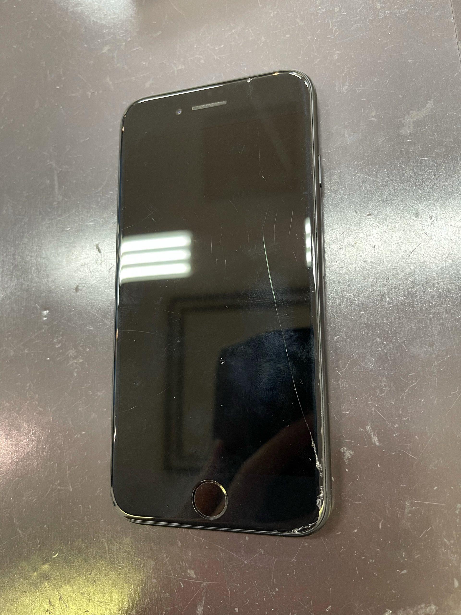【iPhoneSE2】画面割れしました。≪佐賀市よりご来店≫